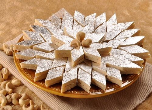 Silver Leaf ( called Chandi ka warq in Hindi & Urdu )  The paper thin sheets of silver are edible ( silver sheets over the sweet ). The word warq is Arabic meaning leaf. It is believed that the use of gold and silver in Indian delicacies dates back to the period of Ayurveda. Scientifically, silver acts as an effective anti bacterial coating and increases shelf life of the product.   I was really hoping my this pic being chosen as interesting under THRUStag #silver  #dailytag 😃 .... I am really so happy 🎉...hehe small small happiness 😅 ....Like always I really wanted to be different ...I'm so glad again that my this pic is chosen as interesting ...Thank u so much again  @pa ☺️💞