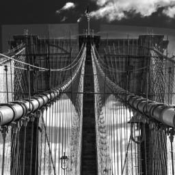 blackandwhite lines merginglines travel wanderlust newyork brooklyn bridge dramatic geometry